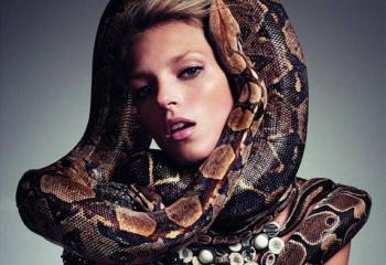 Новогодняя зоология: выбираем платье змеи