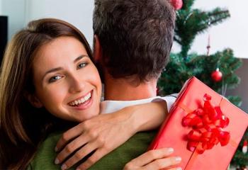 Как научить его дарить подарки