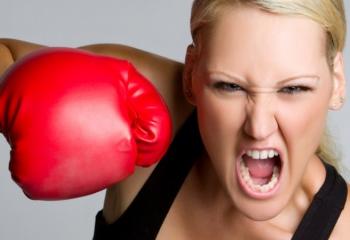 Академия здоровья: опять ПМС, или как усмирить гормоны