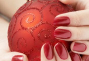 Новогодний маникюр 2011: поманите удачу пальчиком