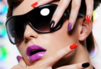 Модный маникюр 2011: курс на цвет!