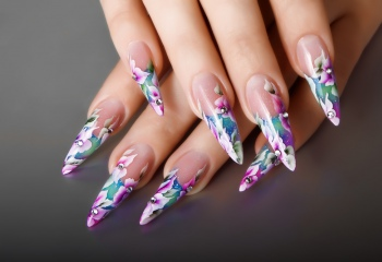 Акриловая роспись на ногтях: рисуем легко и красиво