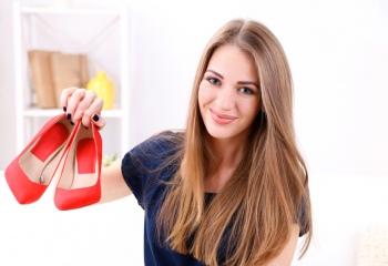 Как разносить тесную обувь в домашних условиях