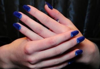 Бархатные ногти – оригинально и просто