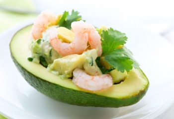 Варианты легких салатов с авокадо
