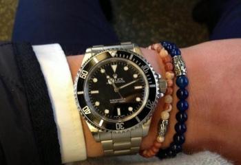 Как носить браслет мужчине