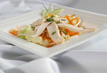 Как готовить простые салаты