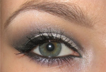 Как подобрать тени к зеленым глазам