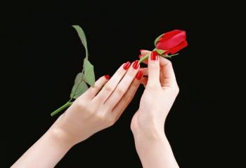 Как снять биогель с ногтей