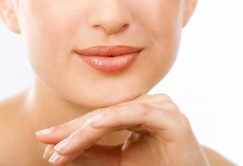 Как ухаживать за сухими губами