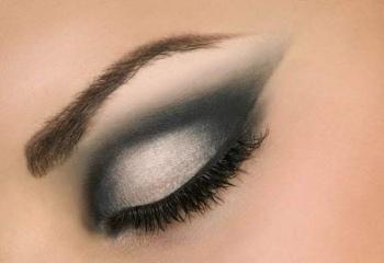 Как накрасить маленькие глаза