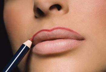 Почему губы трескаются