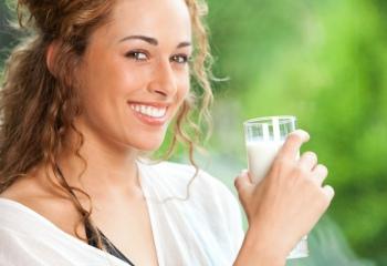 Чем полезна молочная сыворотка для лица