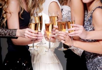 Платье на Новый год: топ лучших фасонов
