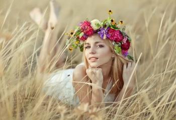Открываем дачный сезон: какую косметику брать с собой
