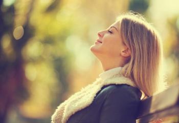 10 способов поднять настроение осенью