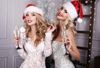 7 эротических новогодних костюмов