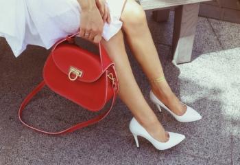 Как носить и ухаживать за белой обувью
