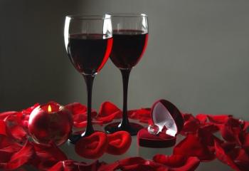 Как отметить день влюбленных: традиции, подарки
