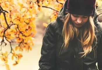 Осенняя депрессия: симптомы и лечение