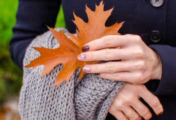 Как ухаживать за ногтями осенью