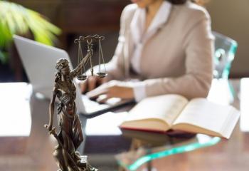 Как сделать карьеру юриста
