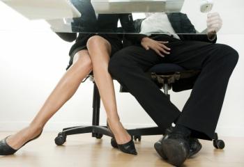Актуален ли еще секс ради карьеры?