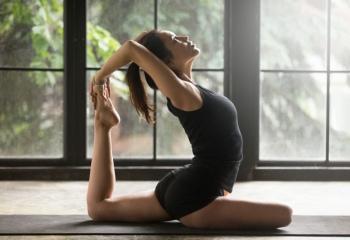 Упражнения для растяжки ног: топ-5 для занятий дома