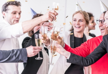 Как организовать и провести корпоративный Новый год