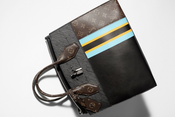 Новое прочтение первой ручной клади Louis Vuitton: сумка City Steamer