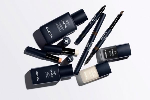 Chanel выпустил новые средства макияжа для мужчин