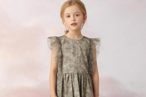 Dior выпустил экологичную детскую коллекцию: фото