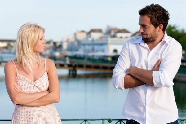 10 ошибок в поведении, из-за которых с вами никто не знакомится