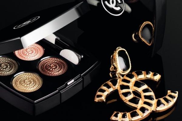 Новогодняя коллекция макияжа Chanel в стиле барокко
