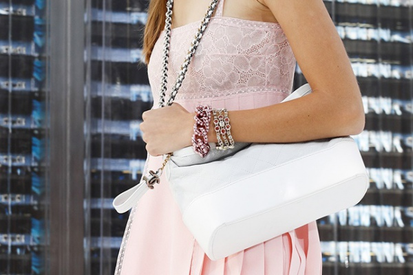 Chanel представит абсолютно новую сумку Gabrielle