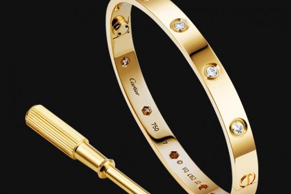 Cartier представил обновленную версию культового браслета Love
