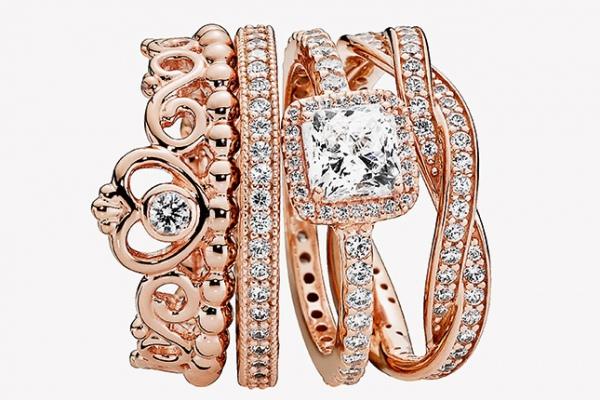 Почти розовое золото в новых украшениях Pandora