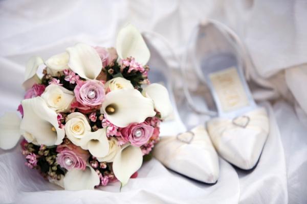 Свадебная обувь без каблука: красиво и удобно
