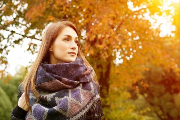 Спутники осени: платки, шали и шарфы