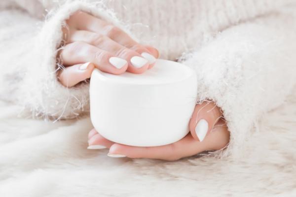 Подручные средства: особенности ухода за руками зимой