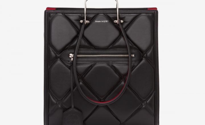 Новая огромная сумка-тоут Alexander McQueen