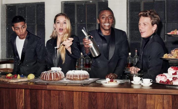 Смокинги и много блесток: праздничная коллекция H&M: фото