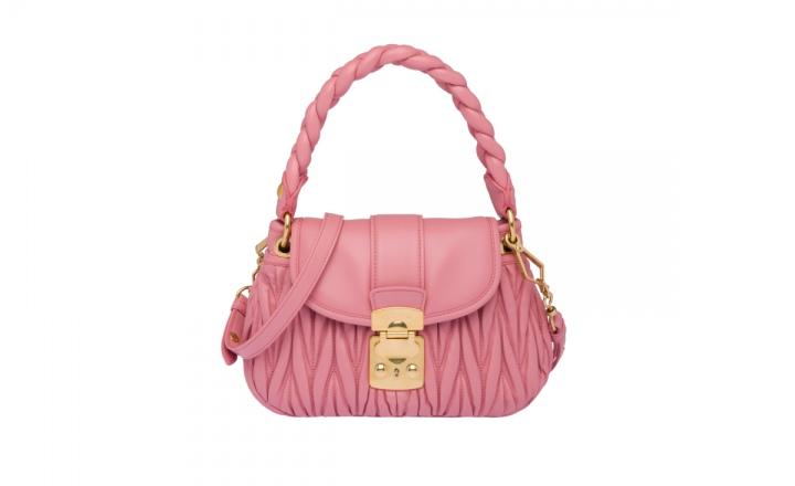 Miu Miu выпустил новую модель сумки, получившую название Coffer