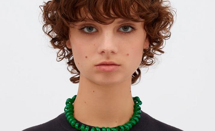 Bottega Veneta выпустили коллекцию украшений в виде телефонного провода
