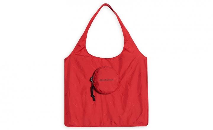 Balenciaga выпустили сумку для покупок в супермаркете