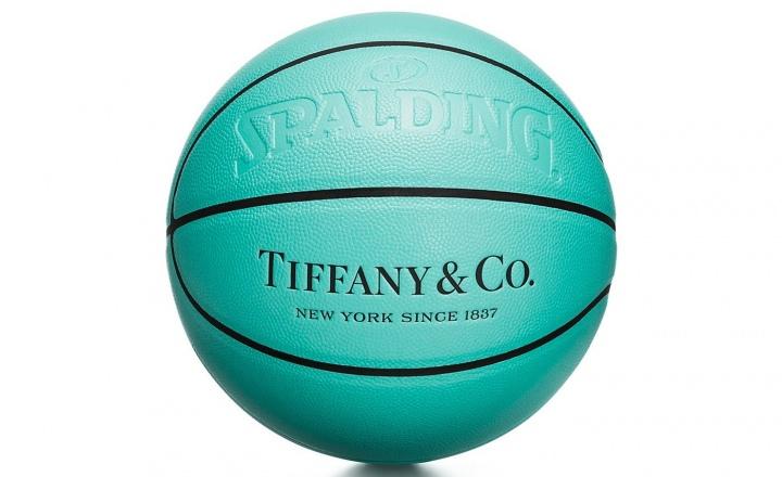 Tiffany & Co. выпустили капсульную коллекцию аксессуаров для спорта: фото