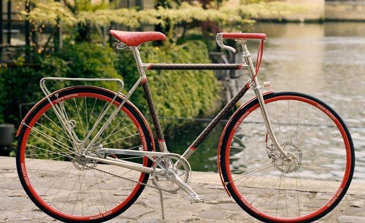 Louis Vuitton выпустил новые велосипеды: фото