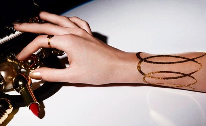 Украшения больше не нужны: золотые татуировки Dior
