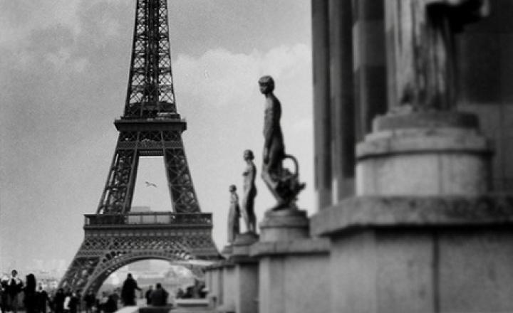 Париж - город одиноких перчаток