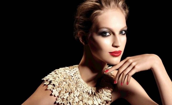 Золотые перья Chanel: рождественская коллекция косметики